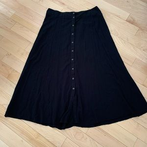 Forever 21 long flowy black skirt